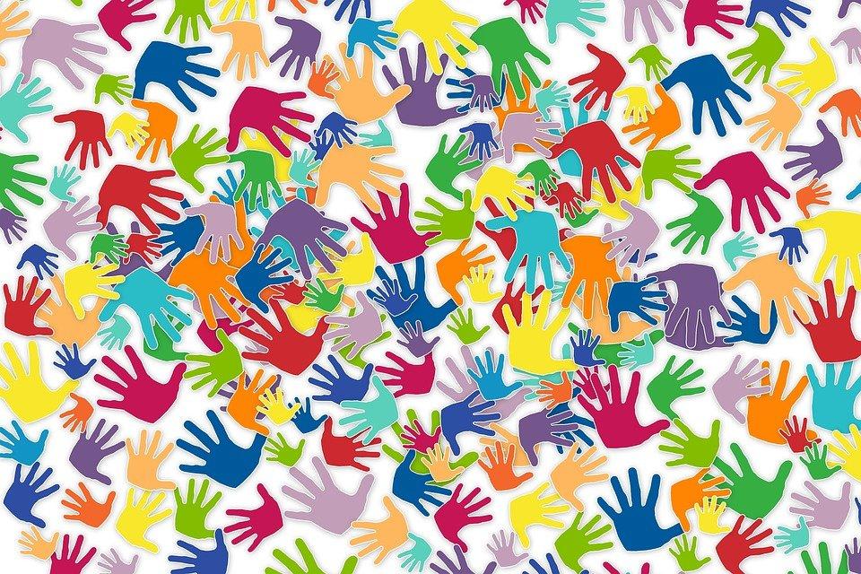 http://images.citiservi.es//business/62/69/dc/org_volunteers2729723960720.jpg