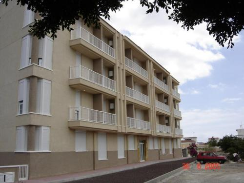 Edificio Toronjil con 32 Viviendas y Garajes, para Concarda S.L., en Las Rosas, Arona, Tenerife