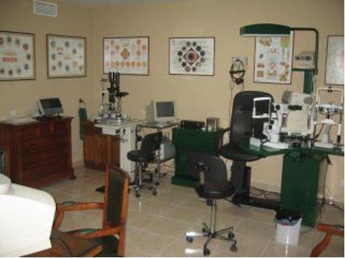Clínica Ocular Dr. Requena - Oftalmólogo