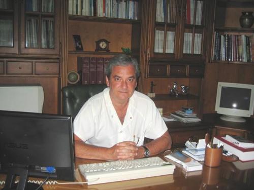 Dr. José María Requena