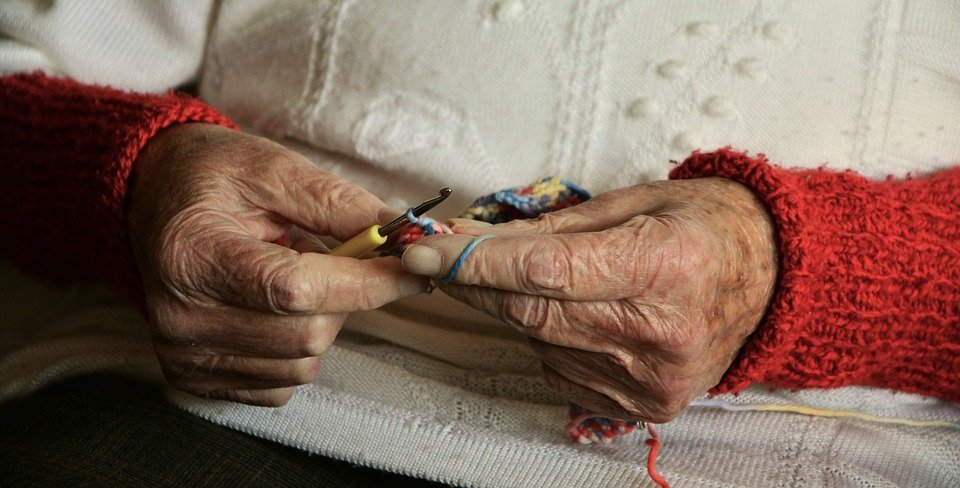http://images.citiservi.es//business/b5/45/ea/org_0hands2066551960720.jpg