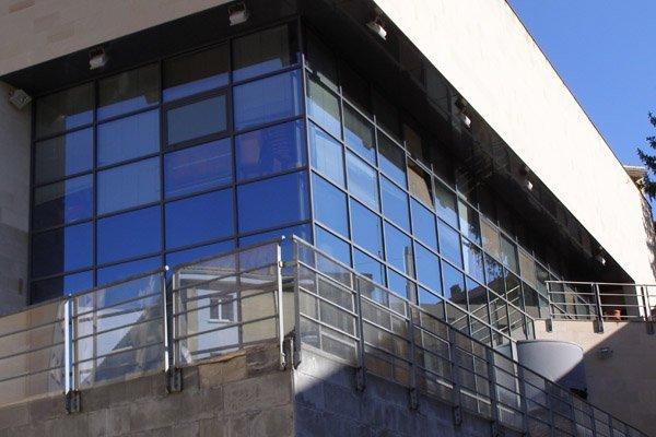 http://images.citiservi.es//business/cd/dd/7e/org_020151106145346fachadas.jpg