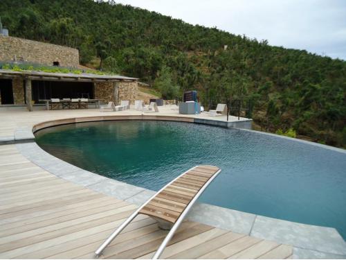 Proyecto de piscina y barbacoa