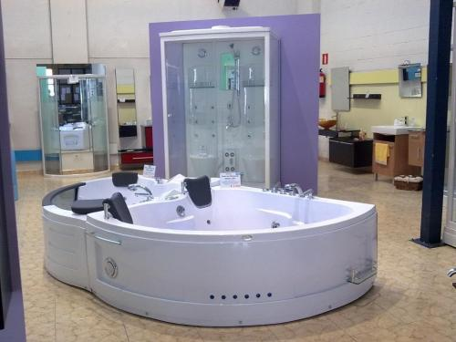 Arte doccia san sebasti n de los reyes mamparas citiservi - Muebles de bano a medida san sebastian de los reyes ...