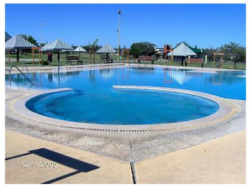 Piscinas madrid navalcarnero construcci n de piscinas for Piscina navalcarnero