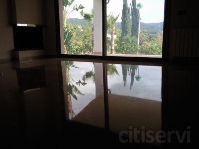 Oferta brillo cristalizado y encerado en mármol y terrazo superficie entre 40 y 60 metros cuadrados por 270,00 € IVA no incluido