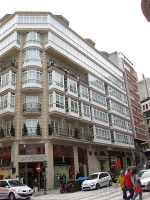 piso céntrico en la calle Betanzos, 3 dormitorios, con garaje