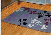 LIMPIEZA DE ALFOMBRAS A DOMICILIO. El servicio consiste en aspirar la alfombra para eliminar particular grandes; a continuacion se lava con un sistema de inyeccion-extracion y con jabones de alta calidad los cuales presentan las siguientes cualidades: •