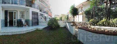 Apartamento 2 dormitorios 50 m2 + 25 m2 de jardin y terraza ,amueblado , 1 baño ,cocina,salon Precio rebajado de 150.000 €uros  a 88.000
