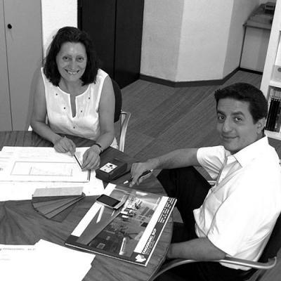 DIAGONARC desarrolla proyectos desde la concepción del diseño hasta la dirección y control de ejecución del mismo, desde la obra nueva a la reforma o rehabilitación. Abarcando edificios públicos i privados, diseño de interiores, stands.Destacar la