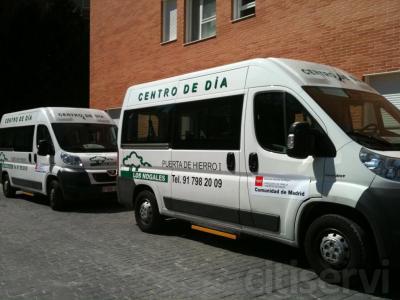 Hemos abierto una nueva ruta para el traslado de personas mayores hasta el Centro de Día que pasa por las calles Reina Victoria, Cuatro Caminos, Bravo Murillo, Plaza de Castilla, Avenida de Asturias, Sinesio Delgado y Valle de Mena