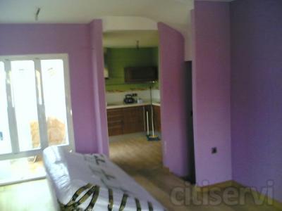 Trabajo de pintura para interior de vivienda de hasta 70m2. Pintura plástica con garantía de calidad,en color blanco, crema o similar incluida.  Precio: 800,00€