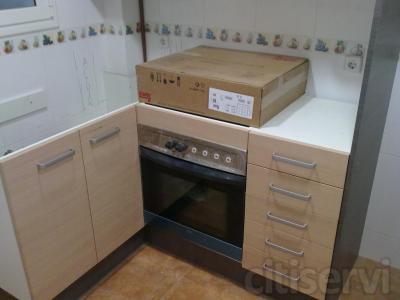 Descuento en mobiliario de cocina, en varios colores de stock, en estraticado con canto pvc; Haya Claro, Haya Oscuro, Blanco mate, Blanco brillo, etc....