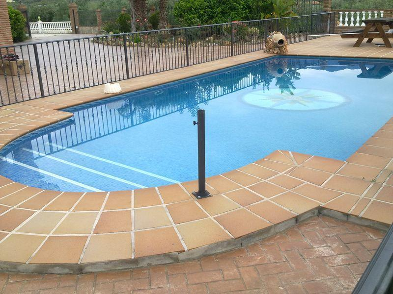 Ofertas de construccion piscinas promociones citiservi for Piscinas malaga construccion