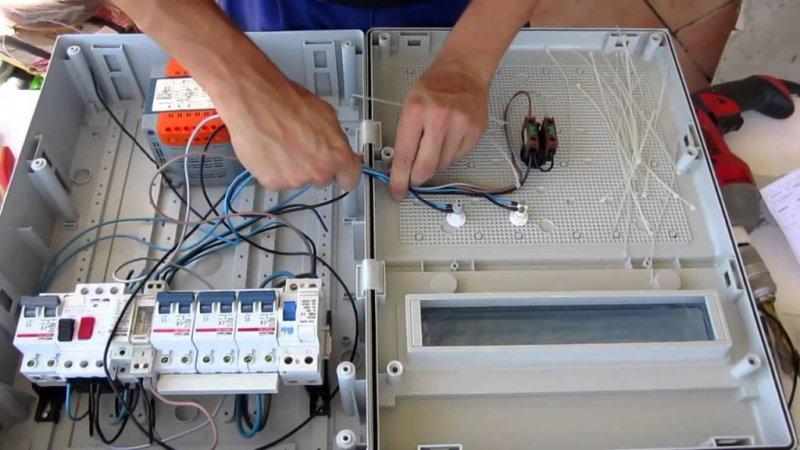 Instalacioens Electricas Cabeza