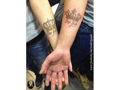 Tatuajes coronas a color