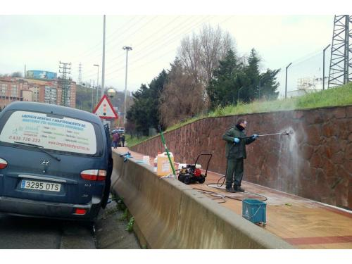 LIMPIEZA DE GRAFFITI