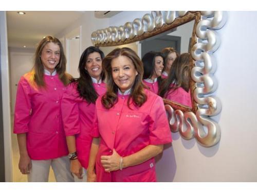Dra. Isabel Herrero Torres, Dra. Isabel De Larroque y Dra. Carolina De Larroque en Clínica Dental Dra. Herrero