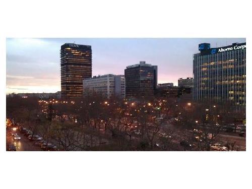 Situados en pleno corazón financiero de Madrid