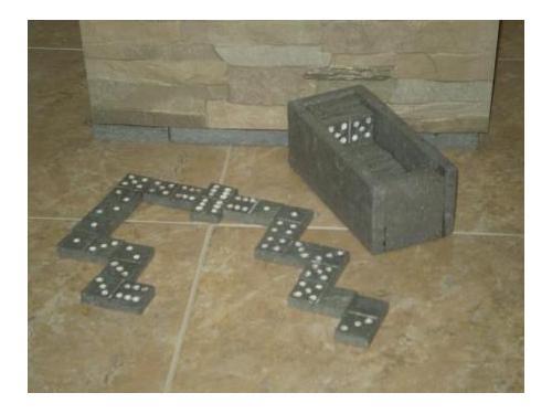 Domino en piedra