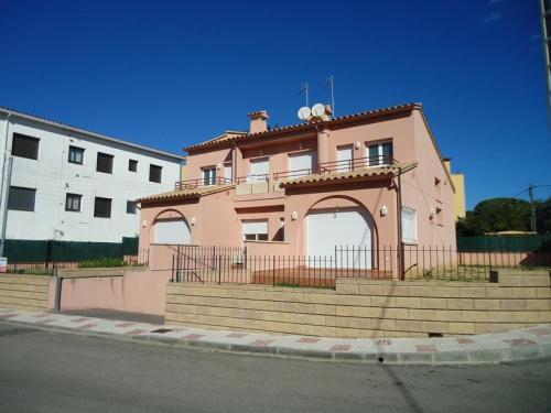 Dirección de obra construccion de dos viviendas adosadas Platja d'Aro