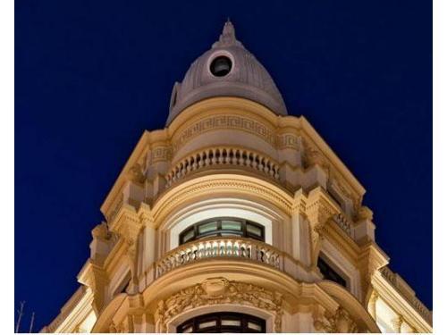 Detalle de fachada de Hotel Innside Madrid Génova