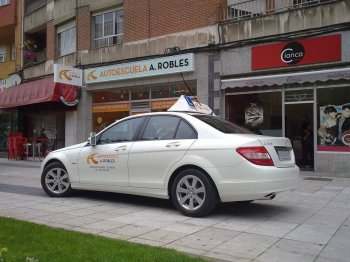 autoescuela a robles