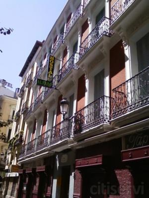 Precio de las habitaciones (IVA incluido):  - Habitación doble........45 €/noche - Habitación individual...30 €/noche