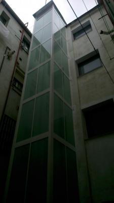 Hacemos el estudio de la mejor opción para instalar el ascensor en su comunidad. Un arquitecto superior se personará en su inmueble y hará una toma de datos para ver las características del edificio.  Posteriormente se le proporcionará la opción que