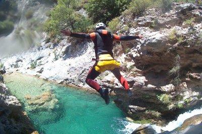 Descuento para este verano para realizar el descenso de barrancos de Rio Verde.
