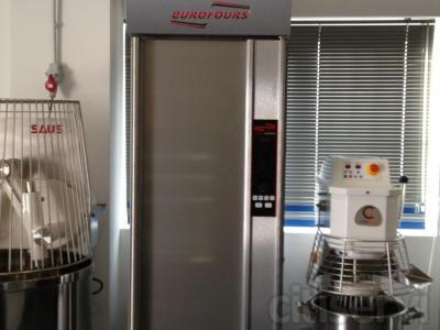 ARMARIO DE FERMENTACION CONTROLADA cobaMaq. cobaMaq, incorpora a su catálogo, las conocidas cámaras y armarios de fermentación controlada EUROFOURS. Para iniciar bien esta colaboración ya hemos instalado en Madrid algunas unidades. El precio de promoc