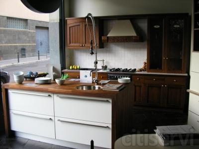 El mobiliario y electrodomestico expuesto en nuestro espacio esta a la venta con precios por debajo del coste. Consultar.