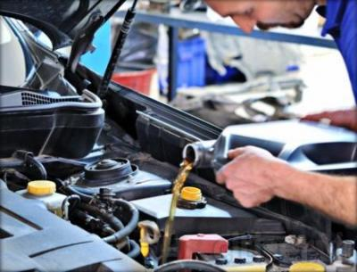 Benefíciate de un 20 % de Dto. al cambiar el aceite de tu vehículo.