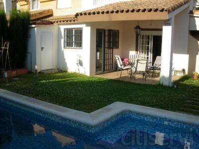 Pareado en zona LEliana 250.000 €
