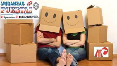 Venta de embalaje especializado para ejecución de mudanzas: Cajas, Papel Burbuja, precinto, film... Si además precisa de personal para embalar, consúltenos sin compromiso.