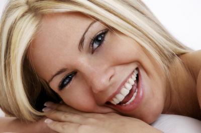 Hazte el tratamiento integral que necesitas y te regalamos un blanqueamiento para una sonrisa perfecta.