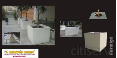 Martín Mena® dispone de mobiliario urbano en hormigón arquitectónico.  Es un ejemplo más, de los proyectos que vamos realizando, en cuanto a personalización de mobiliario urbano adaptado en hormigón arquitectónico. A partir de 20 unidades es via