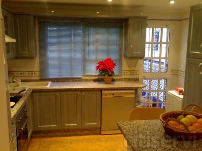 Casa de 3 habitaciones, salon, cocina comedor, baño, aseo y terraza. Por solo 105.000 €