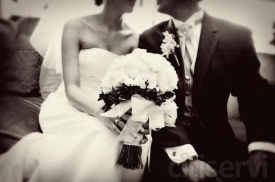 Reportaje fotografico de boda que incluye ceremonia y convite, retoque fotografico de alta calidad y entrega de las fotos en formato DVD para que hagas todas las copias que quieras.  No desaproveches esta oprtunidad!!!  www.ignaciocostantino.com