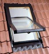 PORTE GRATIS - Ventana de Tejado con Cristal de seguridad. en varias medidas desde 54X78 cm - 134X140 cm.  Cristal  de 24 mm de grosor, altamente resistente al impacto y al granizo, la ventana incluye un cristal de seguridad con una camara de gas argón