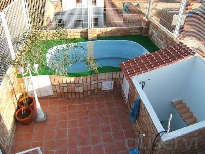 Instalación,bomba,esquimer,piscina de poliester forrada de ladrillo caravista, iluminada y estructura inferior incluida. Restauramos piscinas.
